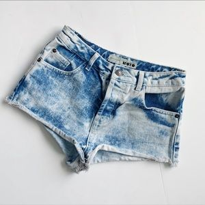 TOPSHOP Moto Holly Acid Wash Jean Shorts Size 2